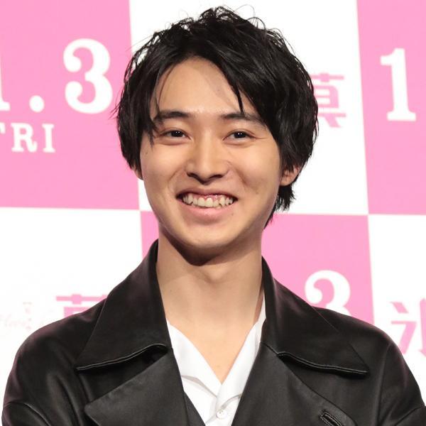 山崎 賢人 笑顔